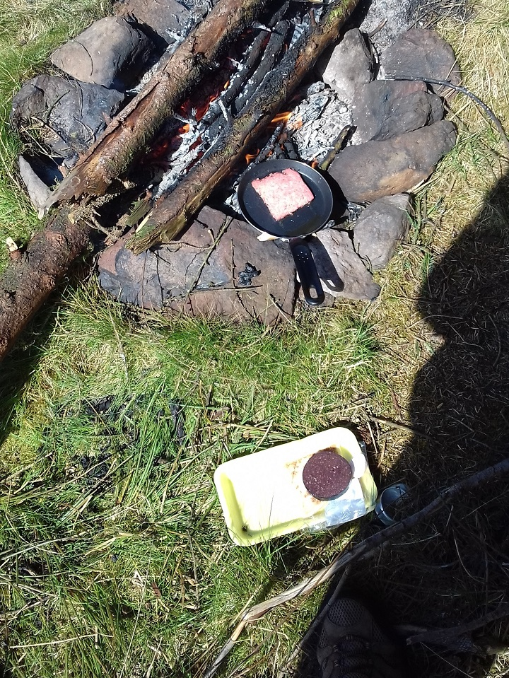 Breakfast on Loch Humphrey only missing a cup of tea from a Kelly Kettle.