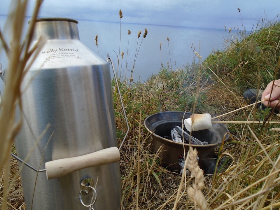 Hot cuppa, roasted marshmallows, a grand view of the sea - perfect Sunday morning!