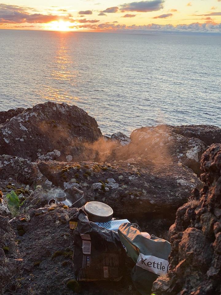 Sunset and a brew over the Atlantic (Eshaness, Shetland Islands, Scotland)