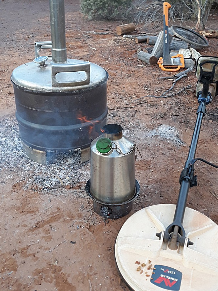 Nothing like having a cuppa after a hard days prospecting and finding a few nuggets. (Kalgoorlie goldfields in Western Australia)