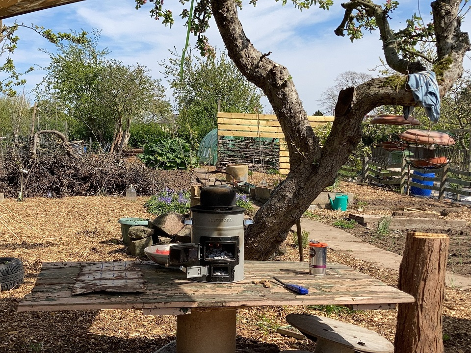 On my allotment replacing the ecozoom to make a brew